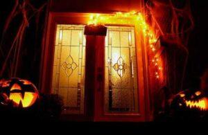 orange light on house meaning