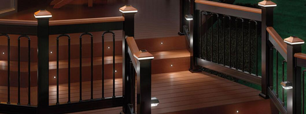 how to choose the best solar post cap lights for fence and deck